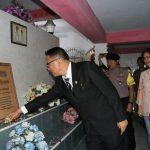 Peringati HUT ke-15 Kota Tomohon, Wali Kota ziarah ke makam mantan Bupati Minahasa
