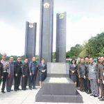 Sambut HUT ke-15, Pemkot Tomohon ziarah ke makam mantan Bupati Minahasa dan Walikota Tomohon Pertama