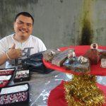 Ikut kontes batu motif di Surabaya