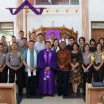 Wali Kota Tomohon dan Wakapolda Sulut Hadiri Ibadah Minggu Sengsara III Di GMIM Maranatha Paslaten