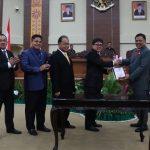 Andrei Angouw Pimpin Paripurna Penyampaian Keputusan DPRD Tentang Rekomendasi DPRD Terhadap LKPJ Gubernur Sulut Tahun 2017