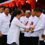 Walikota Tomohon Jimmy Eman Terima 'Revolusi Mental Award '