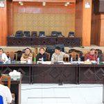 Kojongian Pimpin Rapat Pembahasan Pansus Ranperda Pengelolaan Pemakaman Dan Pengabuan