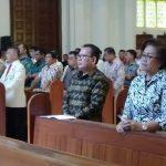 Mentu Wakili Walikota Hadiri Ekaristi HUT Ke-30 Kaum Bapa Katolik Keuskupan Manado