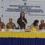 Miky Wenur Sosialisasikan Perda Pengendalian Dan Penanggulangan Rabies Di Pangolonbian Dan Kampung Jawa