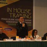 Walikota Eman, Menutup In Hose Training Pengelolaan Keuangan Bagi Aparat Pemerintah Daerah