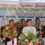Walikota Tomohon Jimmy Eman, Hadiri Misa Pertama Iman Baru Pastor Rocky Wowor
