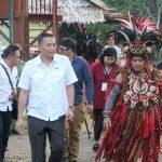 Walikota JFE Saksikan Showcase I Yayat U Santi