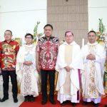 Gubernur Sulut OD Bersama Walikota Tomohon JFE, Resmikan Gedung Gereja Katolik Santo Petus Paroki Roh Kudus Kumelembuai