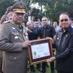 Bupati ROR Terima Penghargaan Bina K3 dari Gubernur OD