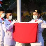Walikota JFE Hadiri Upacara Penurunan Bendera Peringatan Ulang Tahun Ke-75 RI Di Kota Tomohon