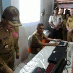 Bupati VAP Awali UNBK di SMPN I Airmadidi