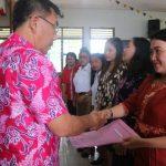 Bupati Mewoh Serahkan 431 SK GTT kepada PGRI Kawangkoan, Langowan dan Sonder