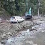 PT. Anugerah Dinasti Sakti Bantu Pembuatan Jalan dan Jembatan Yang Putus Akibat Banjir Bandang di Tamako